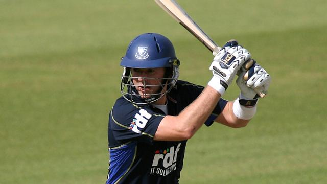 Sussex move clear - Cricket - County