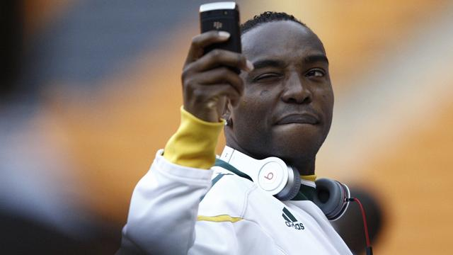 Benni McCarthy comeback ended by injury
