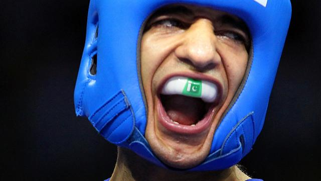 Khan's brother turns pro - Boxing