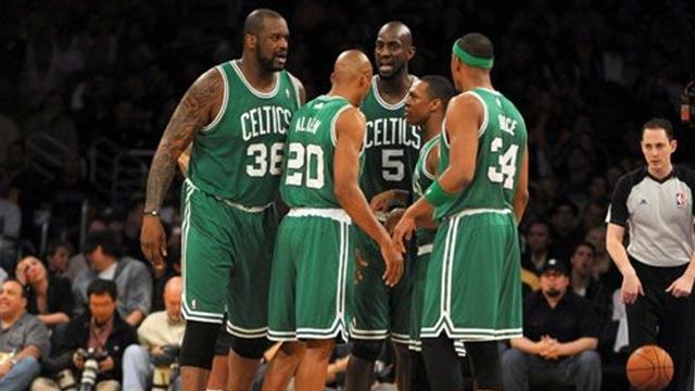 Celtics crush Lakers
