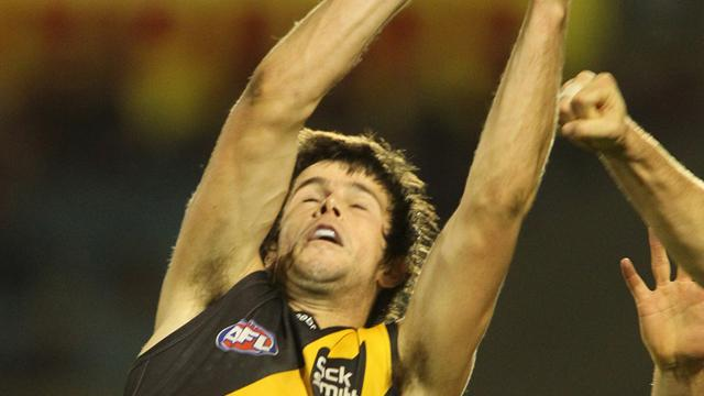 Cotchin fit to take on Giants