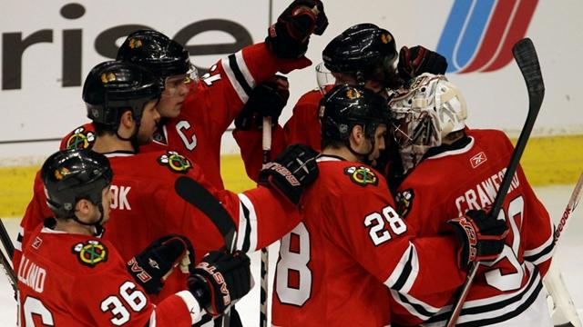 Blackhawks scorch Flames - Ice Hockey - NHL