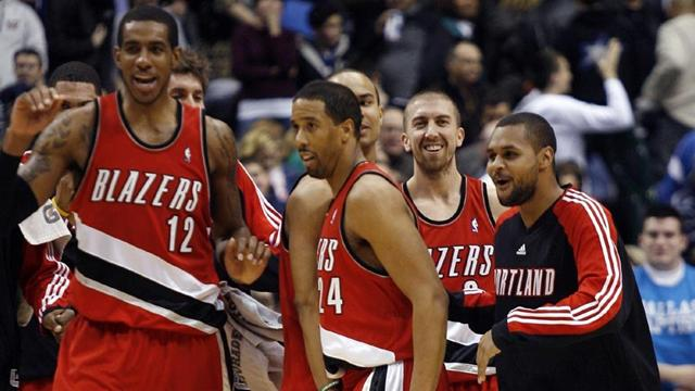 Blazers blunt Howard-less Magic