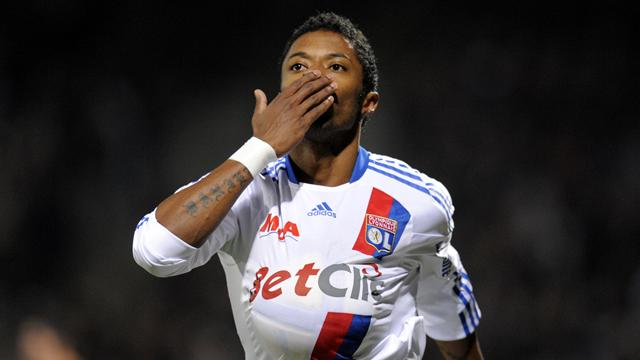 FOOTBALL 2011 Lyon - Bastos