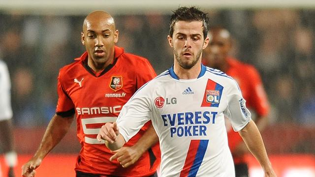 FOOTBALL 2010 Renes-Lyon (Dalmat et Pjanic)