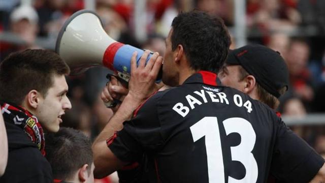 Ballack fined for chant - Football - Bundesliga