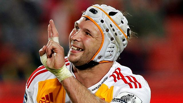 Chiefs win, near play-offs - Rugby - Super 15