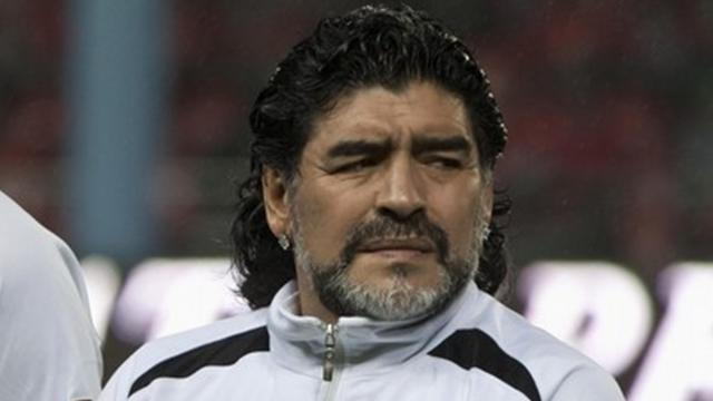 Maradona 'fine' after bump - Football - World Football
