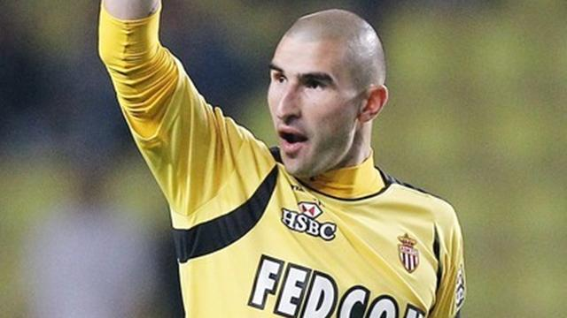 Ruffier joins St-Etienne - Football - Ligue 1