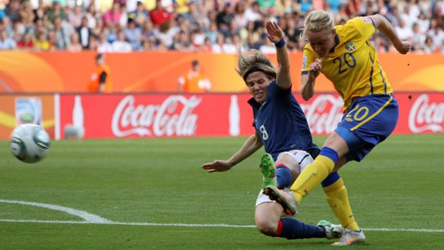 Sweden edge out France