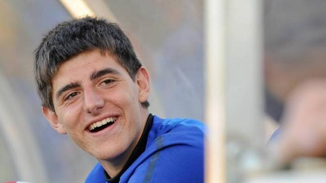Courtois goes back - Football - Premier League