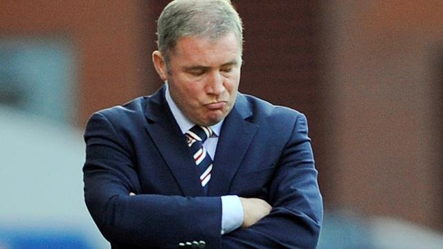 Dundee 'replace' Rangers in the SPL