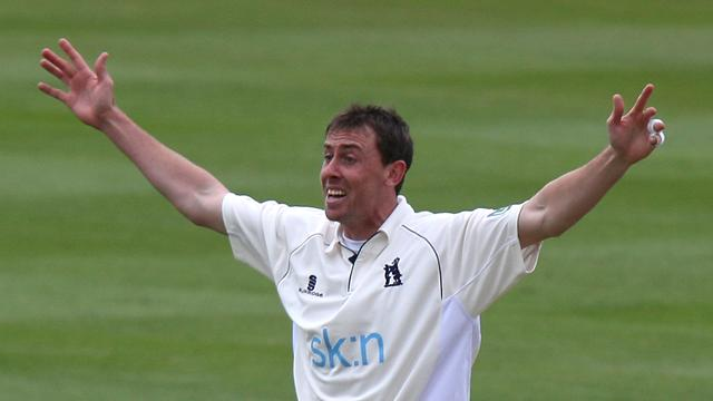 Warwickshire top - Cricket - County
