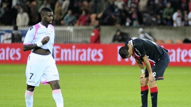 PSG flop, champions start with draw
