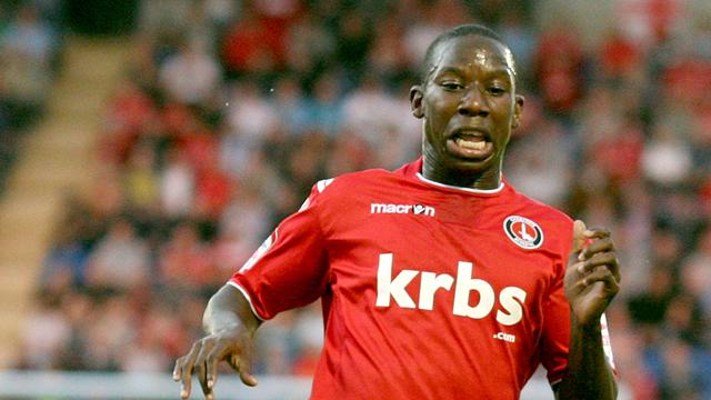 Leaders Charlton thump Preston