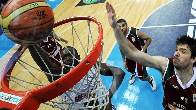 Deng inspires GB to first Eurobasket win