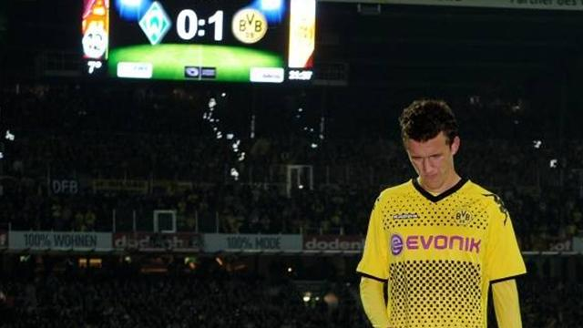 Perisic scores, sent off in Dortmund win
