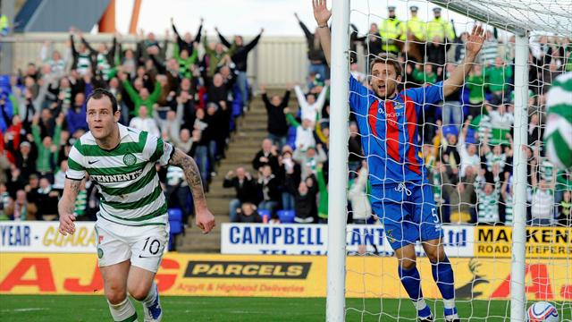 Celtic close gap  - Football - Scottish Football