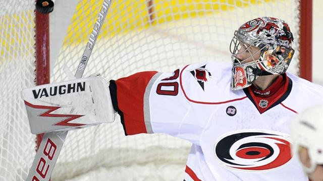 Ward backstops Hurricanes to win