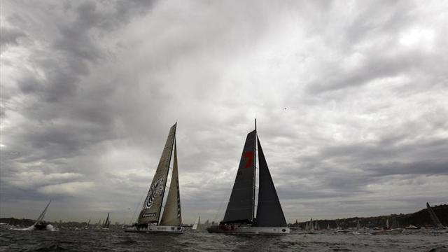 Wild Oats win sixth Sydney-Hobart in record time