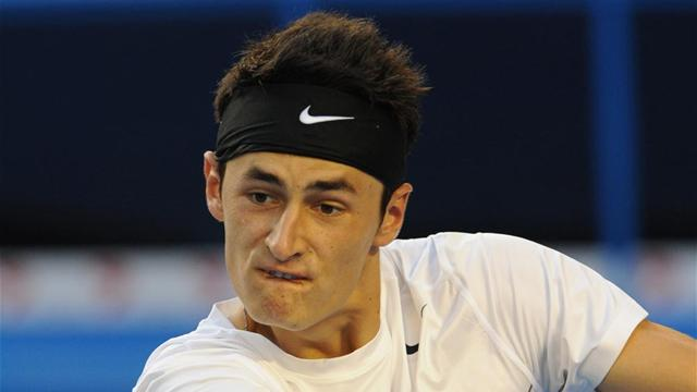 Tomic powers through in Nice
