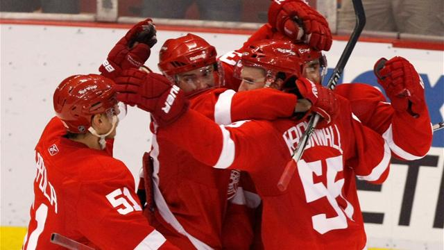 Red Wings survive Ducks shootout