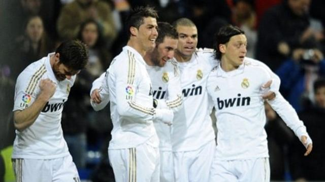 Real Madrid 4-0 Racing - Football - La Liga