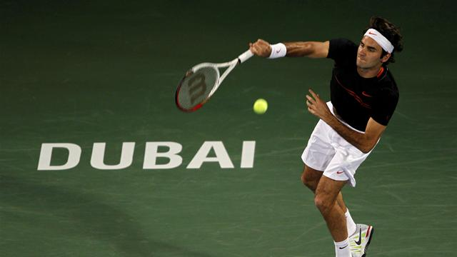 Federer serves up Dubai treat against Lopez