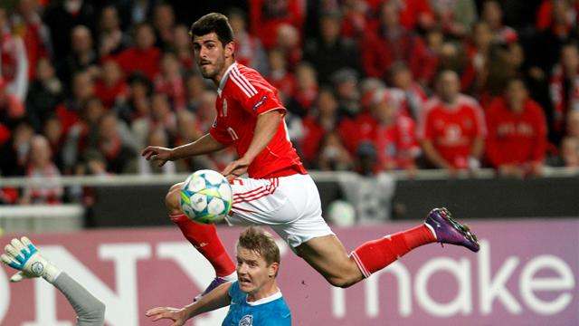 Benfica ease through - Football - Champions League