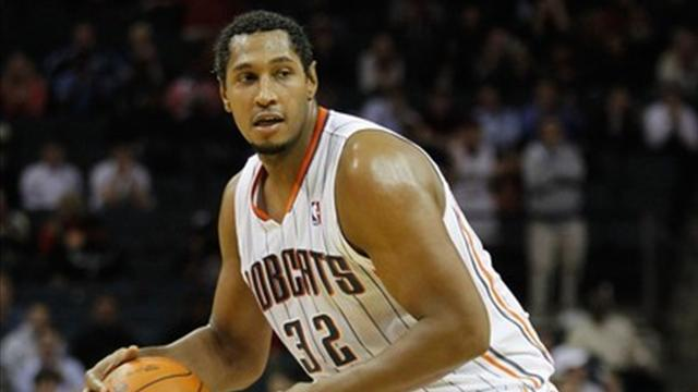 Diaw rejoint Parker - Basketball - NBA