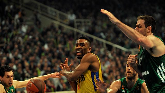 Panathinaikos remain on course