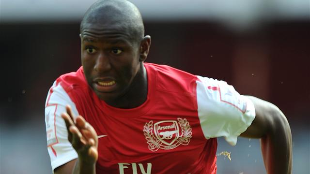 Bolton sign Afobe on loan