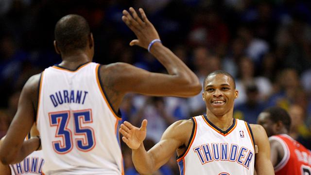 Thunder blow away Bucks to stay top