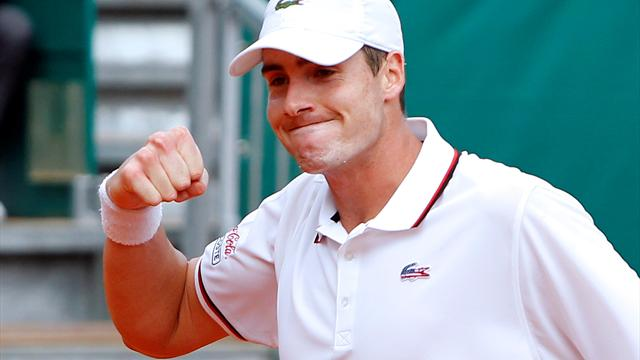 Isner to face Hewitt - Tennis