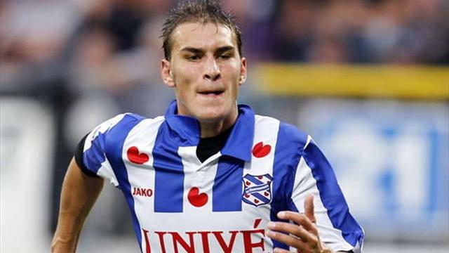 Dost joins Wolfsburg - Football - Bundesliga