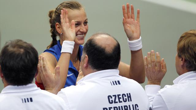 Kvitova puts Czechs back in final