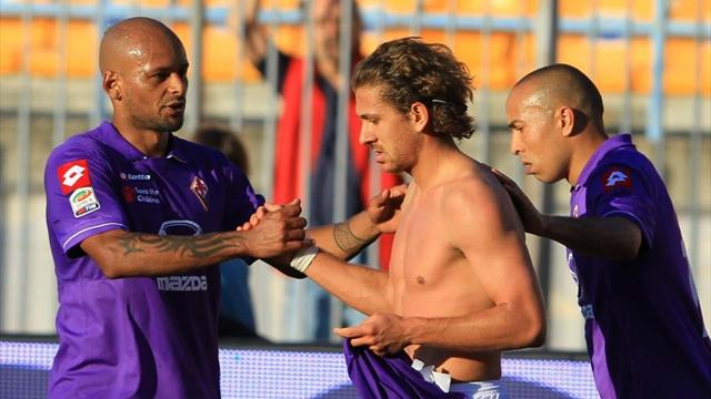 Fiorentina safe as Catania spoil Totti party