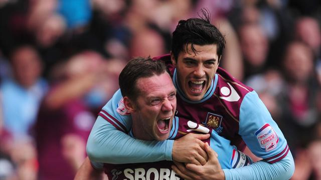 Hammers cruise into Wembley final