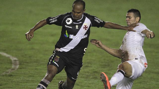Vasco, Corinthians serve up ugly goalless draw