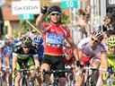 Cav secures Giro treble