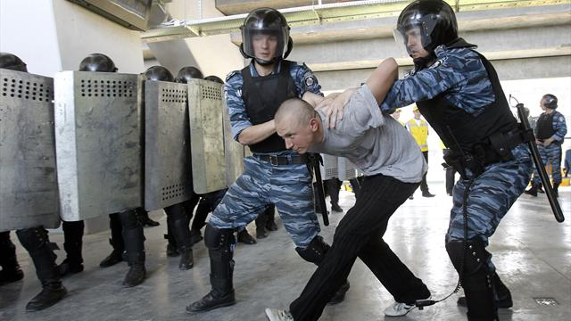 Ukraine police told to lighten up for Euros
