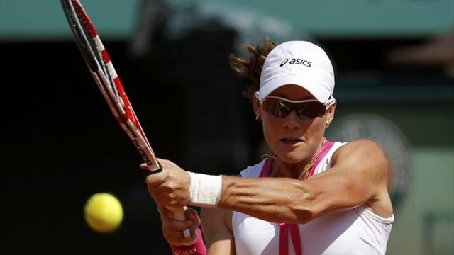 Stosur charges into semi-finals