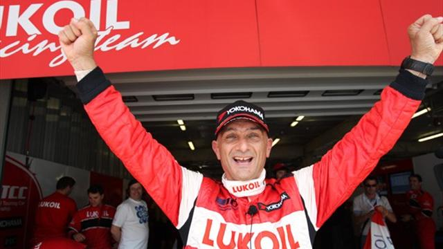 Tarquini romps to pole in Portugal