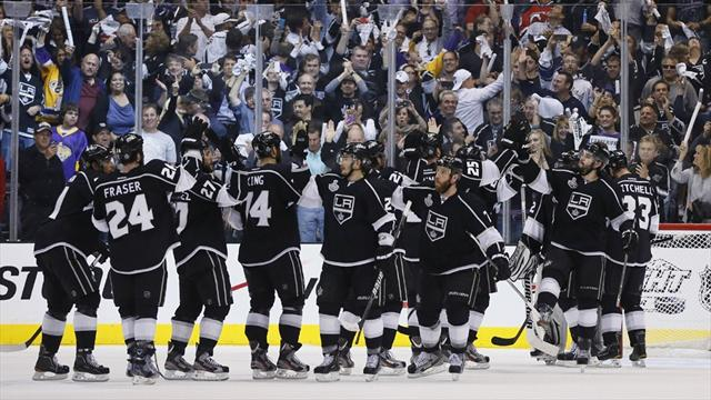 Kings win to put one hand on Stanley Cup