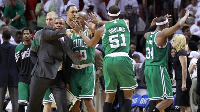 Celtics stun Heat in Miami