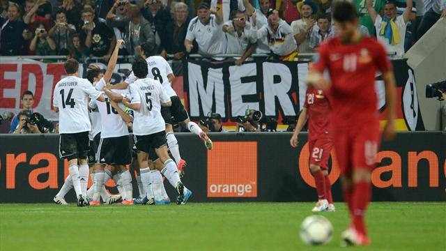 Gomez header sinks Portugal