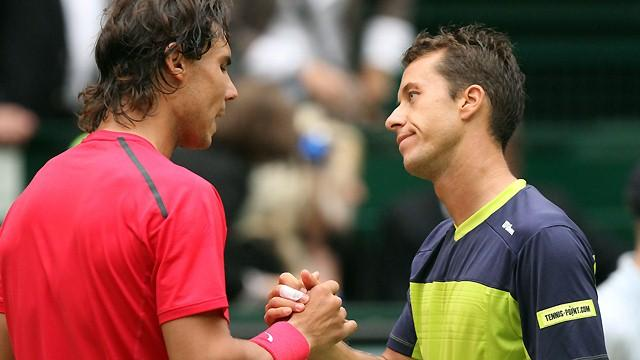 Nadal crashes out at Halle