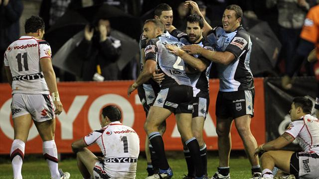 Sharks sneak past Warriors in thriller