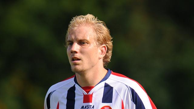 Bomo sign Dutch striker - Football - League One