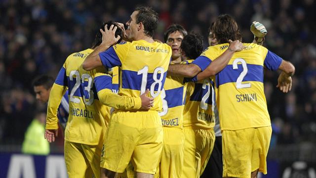 Boca hold U de Chile to reach final